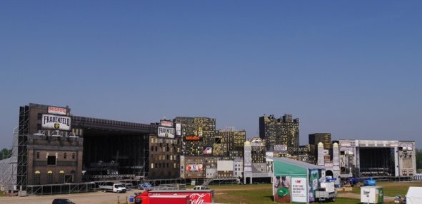 North Stage and South Stage integrated into a gigantic big city skyline