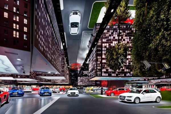 With a hanging urban landscape, Audi created an impressive immersive landscape covering 3,400 square meters on the theme of urban mobility at the IAA 2013 in Frankfurt.