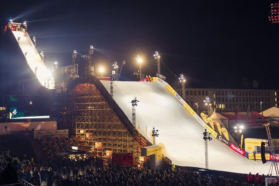 ARAG Big Air – der Riese im Stadion