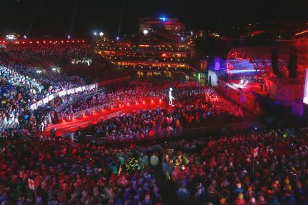 Image: NUSSLI built a grandstand for 9,000 people, the catwalk, the stage and other event structures in the Planai World