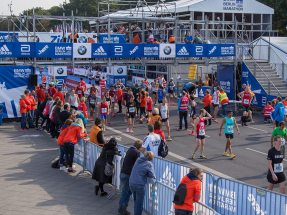 Image: NUSSLI constructed several grandstands and pedways along the route of the 44th Berlin Marathon.