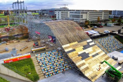 Picture: NUSSLI once again built the biggest FIS Big Air Ramp for this years ARAG Big Air Freestyle Festival.