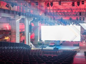 Picture:  On behalf of the creative agency insglück, NUSSLI realized a grandstand system with space for 1,005 seats.