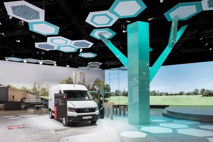The eMobility exhibition tree was due to its far-reaching branches, a particular static challenge