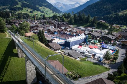 The arena is located in the center of Gstaad